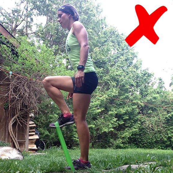 Vertical Knee Raises Bad Example