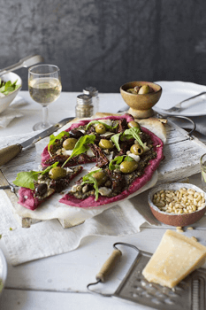 beetroot pizza and pesto